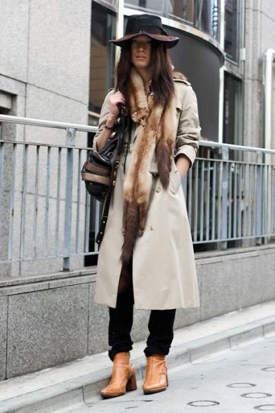 Japonês estranho com roupa esquisita 15