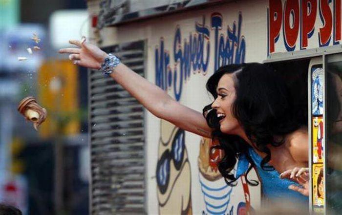 Top 20 celebridades abaixo dos 30 com os maiores rendimentos