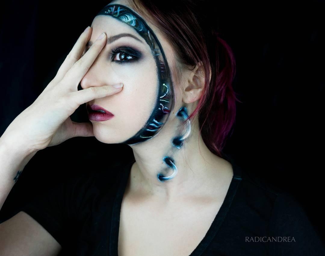 Esta maquiadora se transforma em terr�veis monstros de pesadelo 11