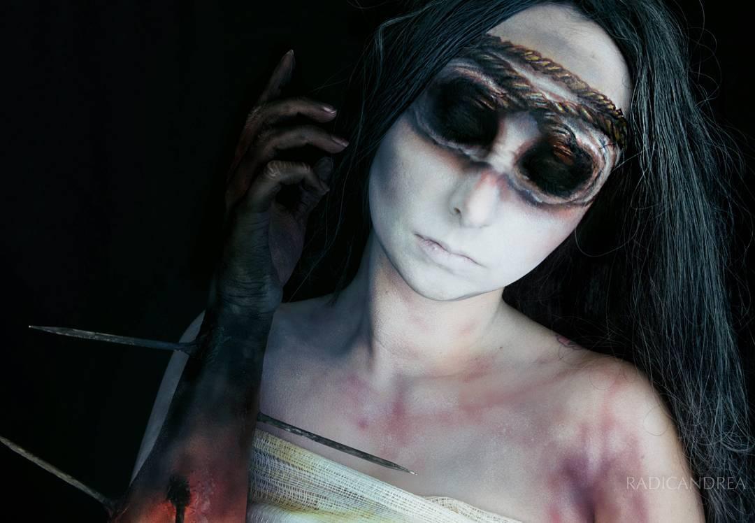 Esta maquiadora se transforma em terríveis monstros de pesadelo 13