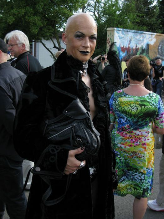 Wave Gotik Treffen, um festival gótico em Leipzig 38