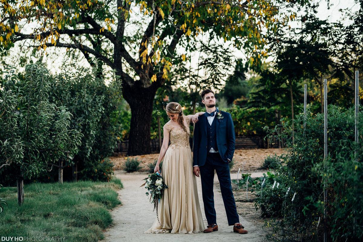 25 noivas deslumbrantes que fugiram do branco na hora de escolher seu vestido 10