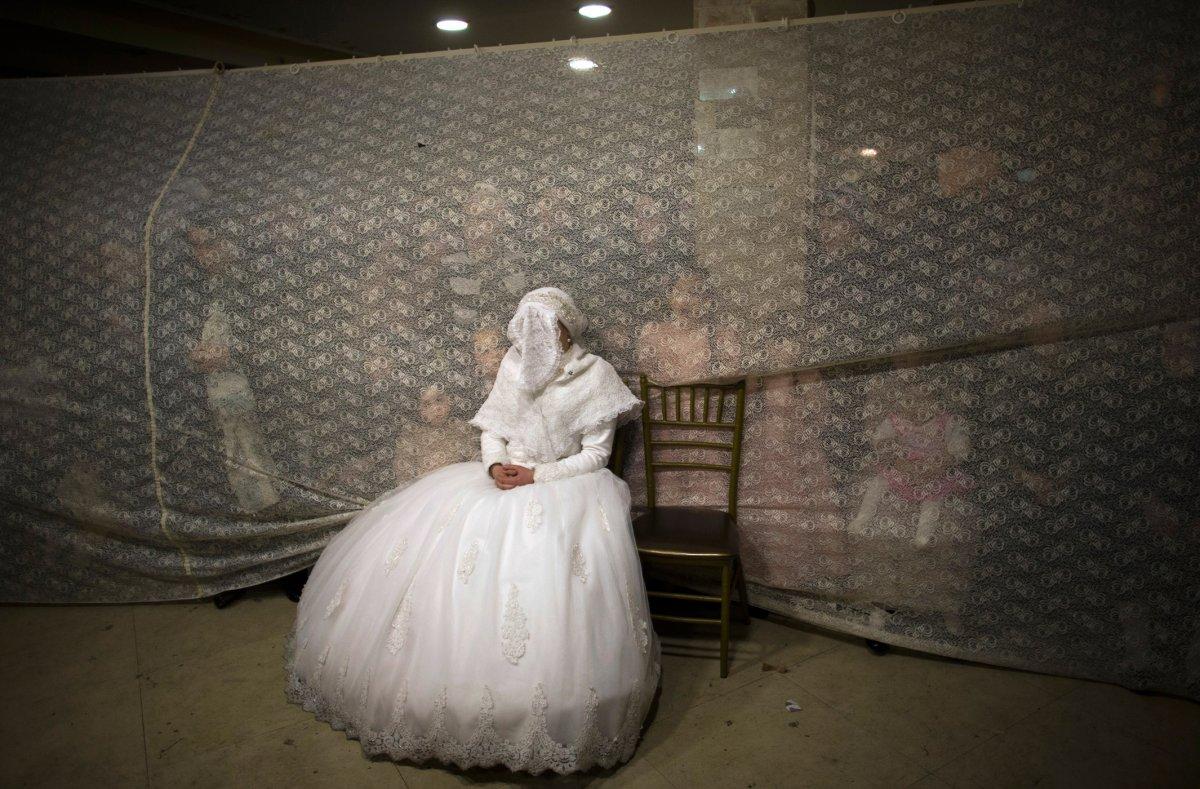 27 belas fotos de vestidos tradicionais de casamentos por todo o mundo 05