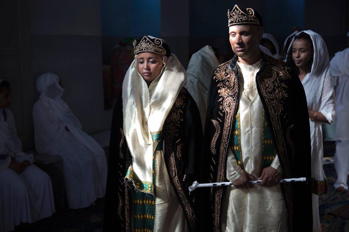 27 belas fotos de vestidos tradicionais de casamentos por todo o mundo 12
