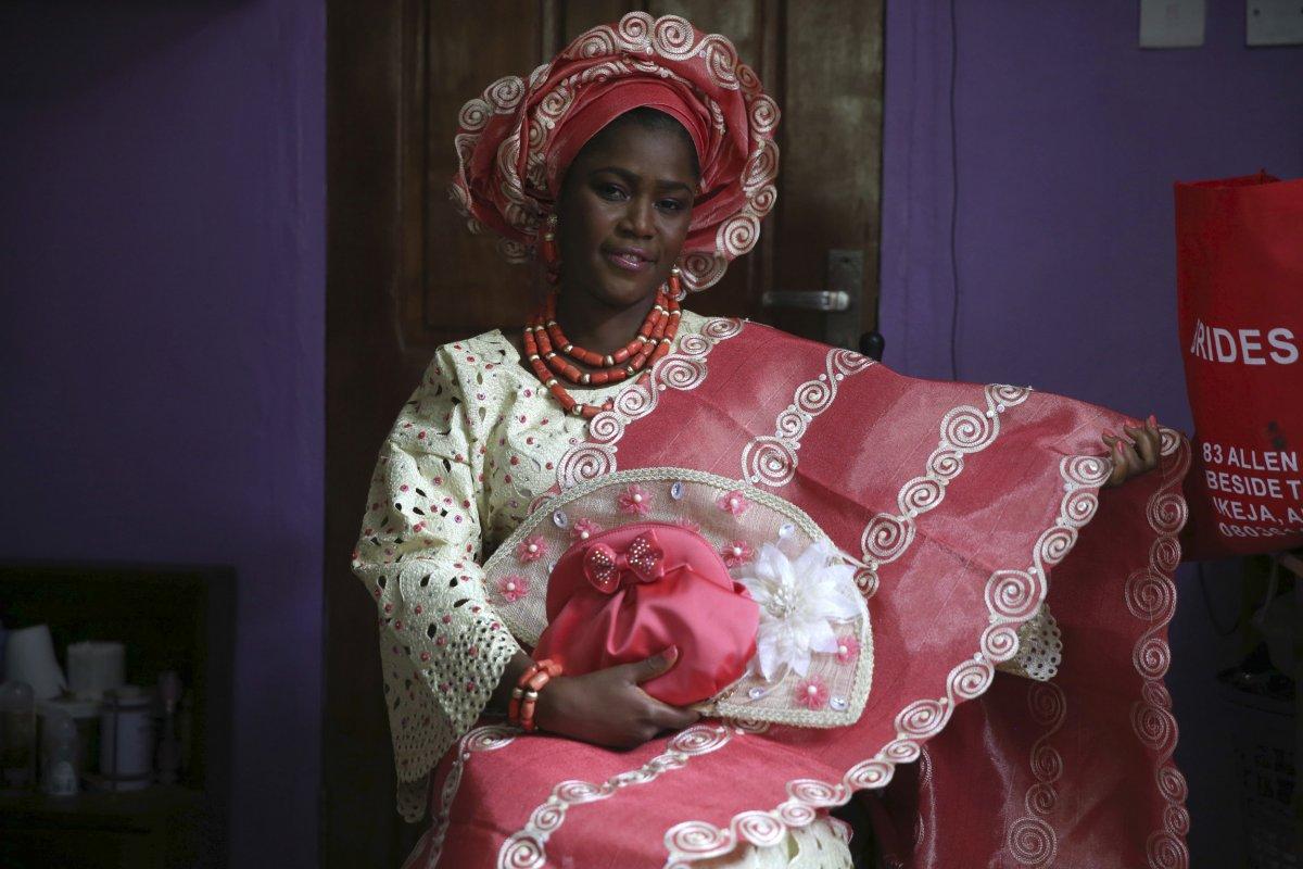 27 belas fotos de vestidos tradicionais de casamentos por todo o mundo 22