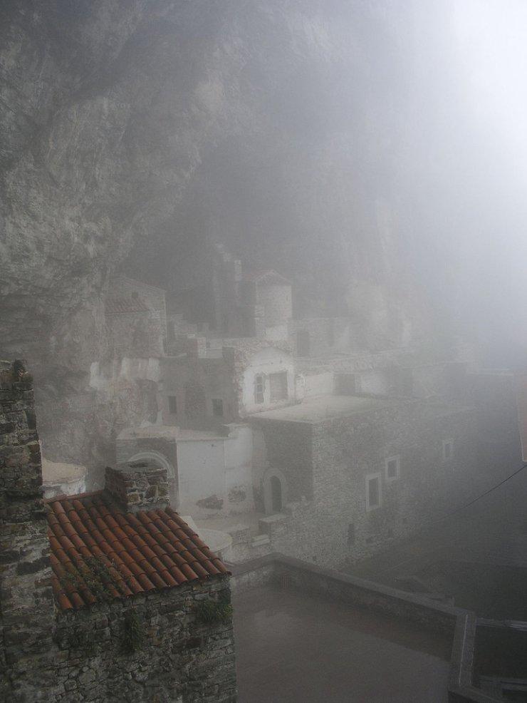 O monast�rio de S�mela