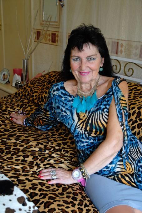 Virgem de 70 anos assegura que est� no ponto para a grande noite 11