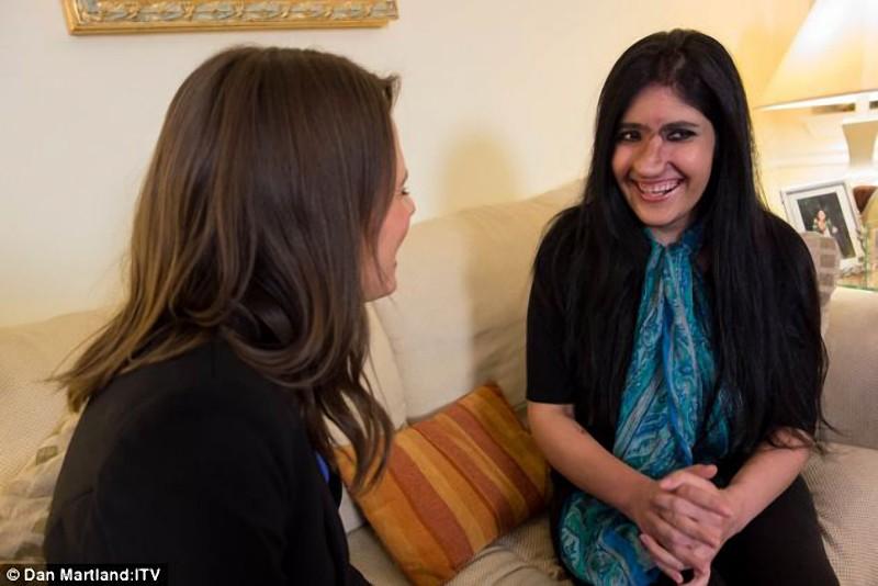 Um novo nariz para Aisha, a jovem que desafiou ao Islã 06