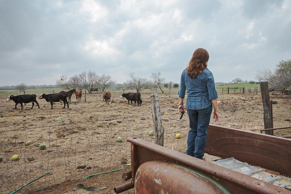 Série de fotos mostra texanas com as armas que elas amam 01