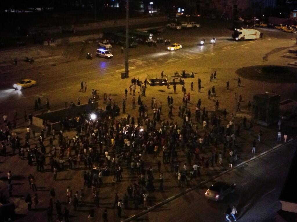 #Duranadam - O 'homem em pé', uma nova forma de protesto pacífico em Istambul 04