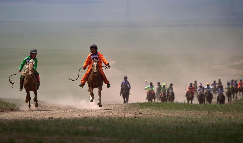 Naadam, os três jogos masculinos da Mongólia em 2012 03