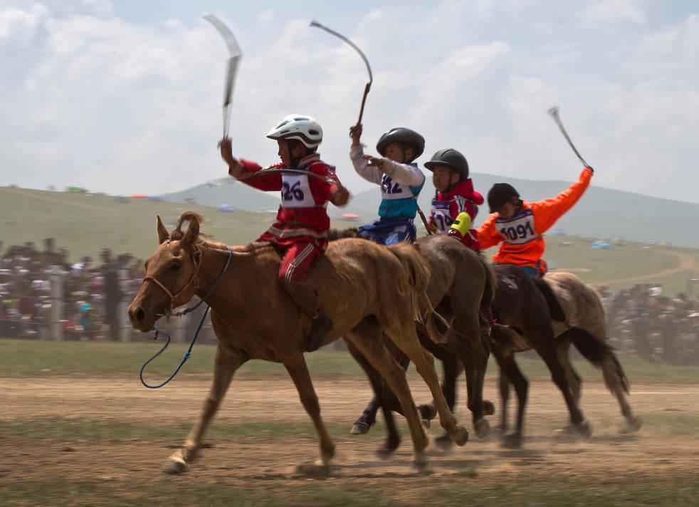 Naadam, os três jogos masculinos da Mongólia em 2012 04