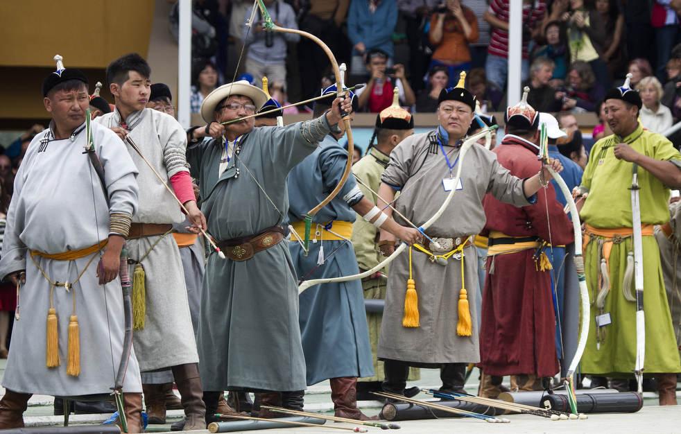 Naadam, os três jogos masculinos da Mongólia em 2012 08