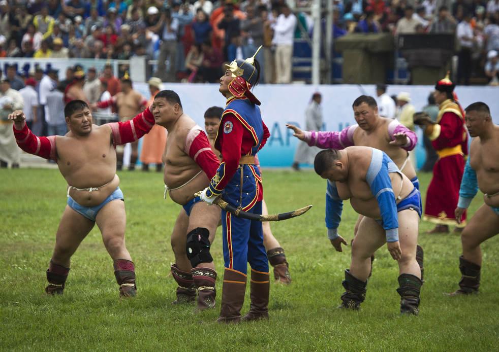 Naadam, os três jogos masculinos da Mongólia em 2012 11