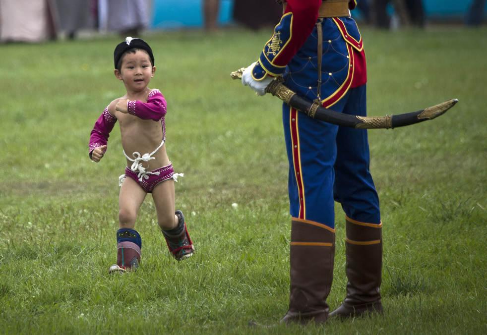 Naadam, os três jogos masculinos da Mongólia em 2012 12