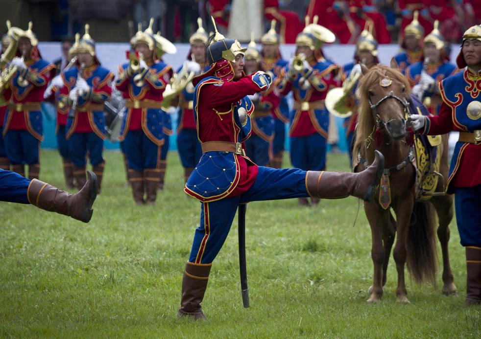 Naadam, os três jogos masculinos da Mongólia em 2012 13