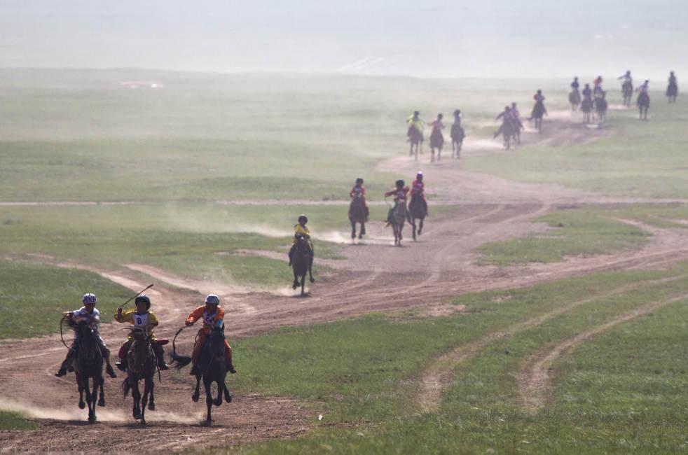 Naadam, os três jogos masculinos da Mongólia em 2012 19