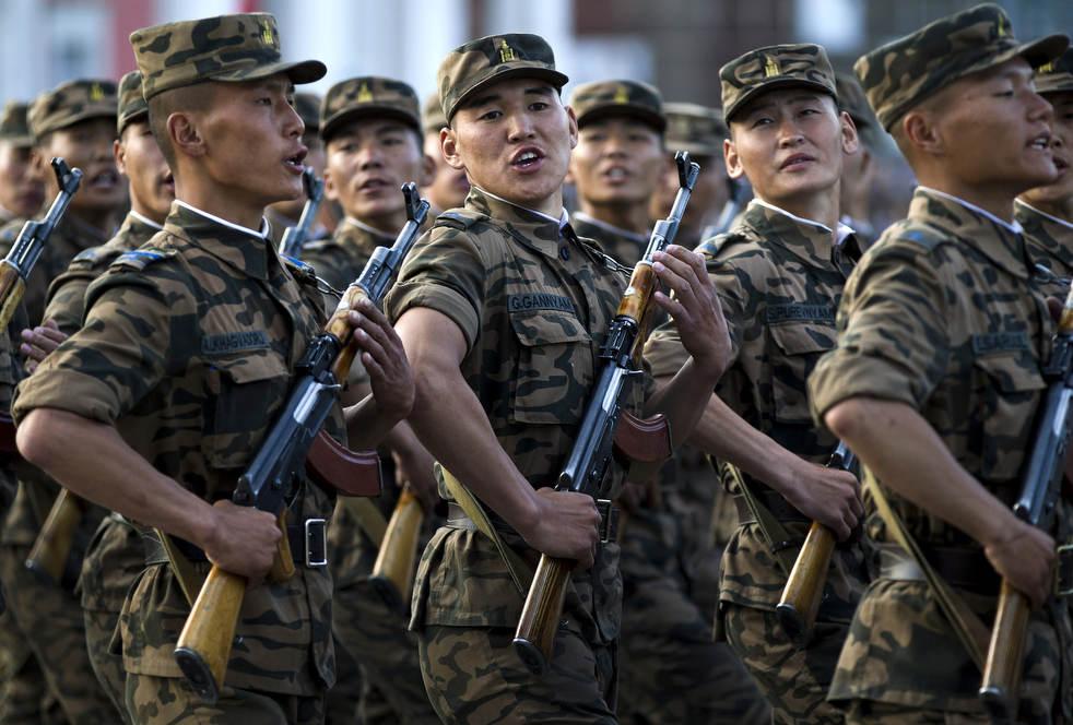 Naadam, os três jogos masculinos da Mongólia em 2012 25