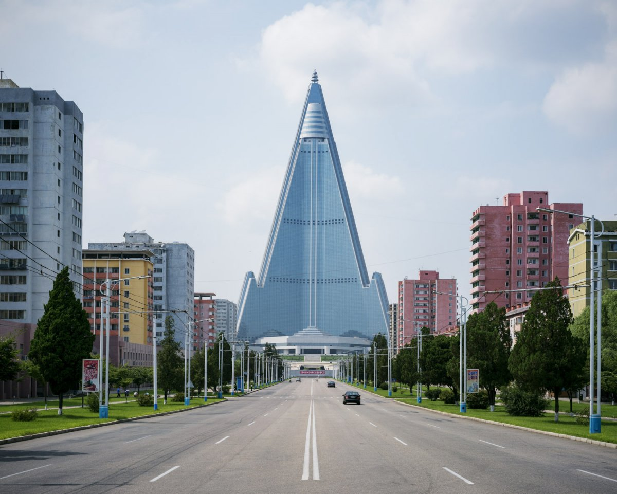 Fotos surreais da capital da Coreia do Norte em uma excursão sancionada pelo Estado 05