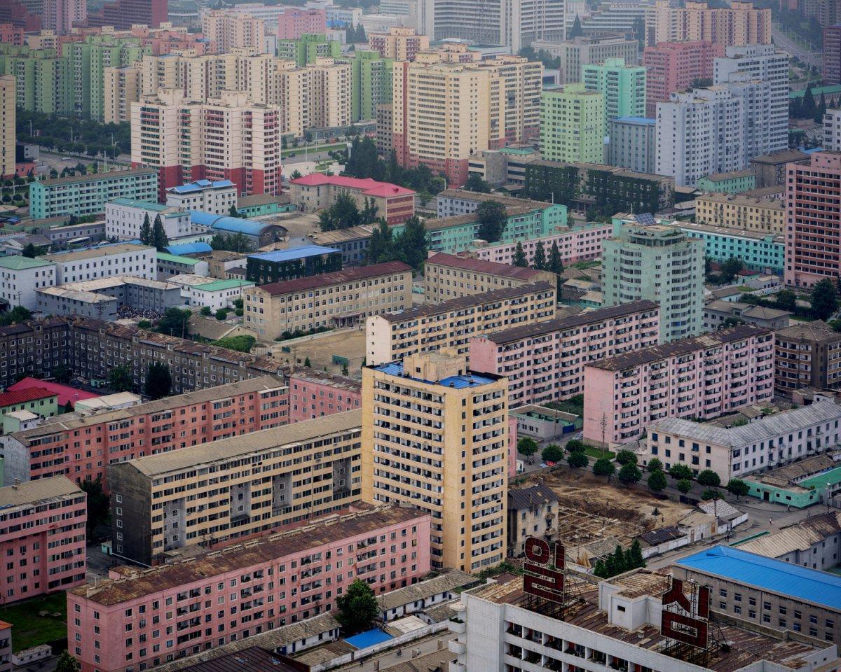 Fotos surreais da capital da Coreia do Norte em uma excursão sancionada pelo Estado 06