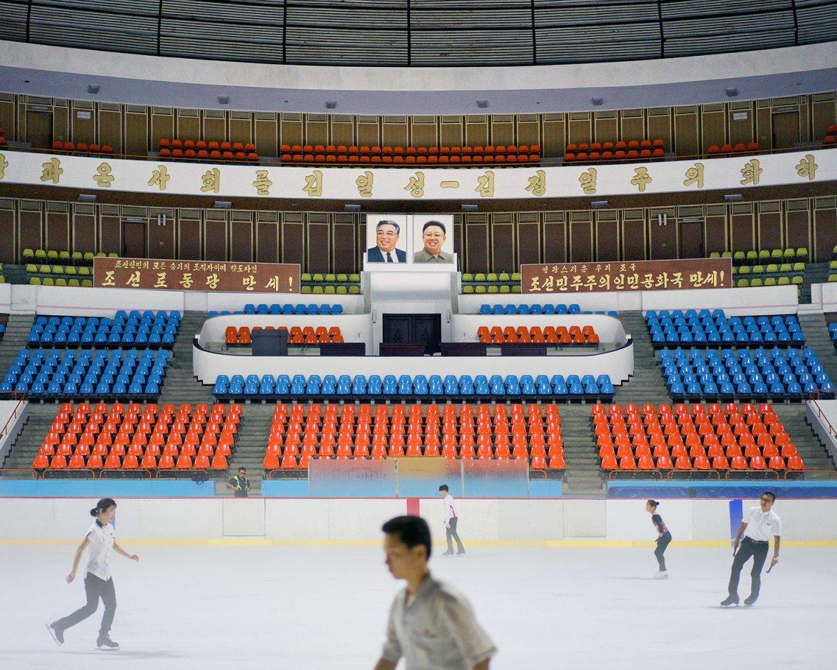 Fotos surreais da capital da Coreia do Norte em uma excursão sancionada pelo Estado 10