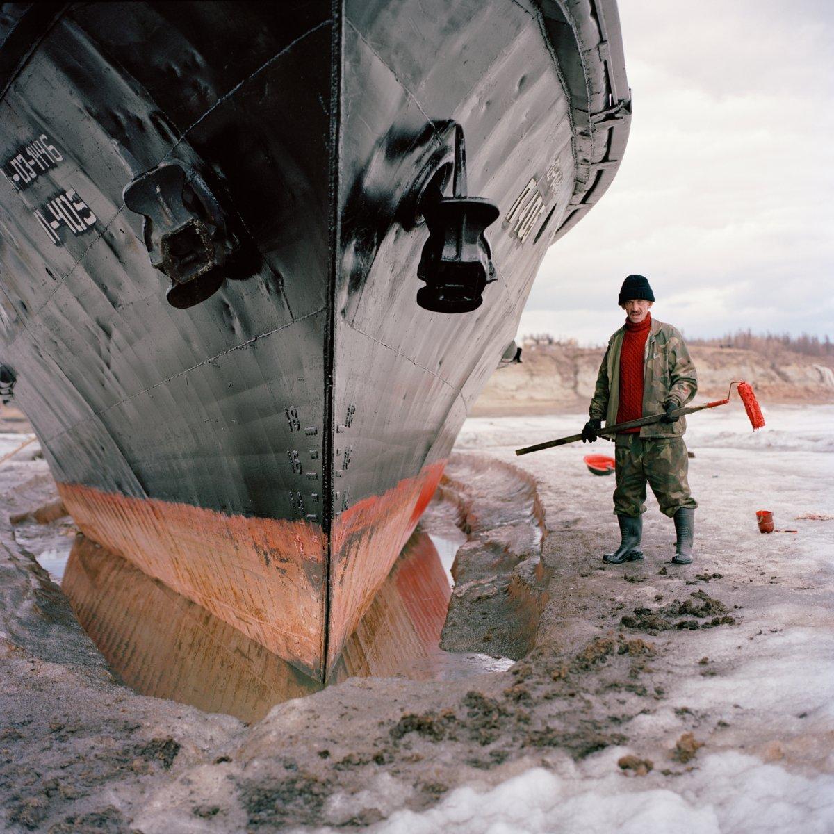 Conheça 15 pessoas que desafiam temperaturas extremas para viver no círculo ártico 05