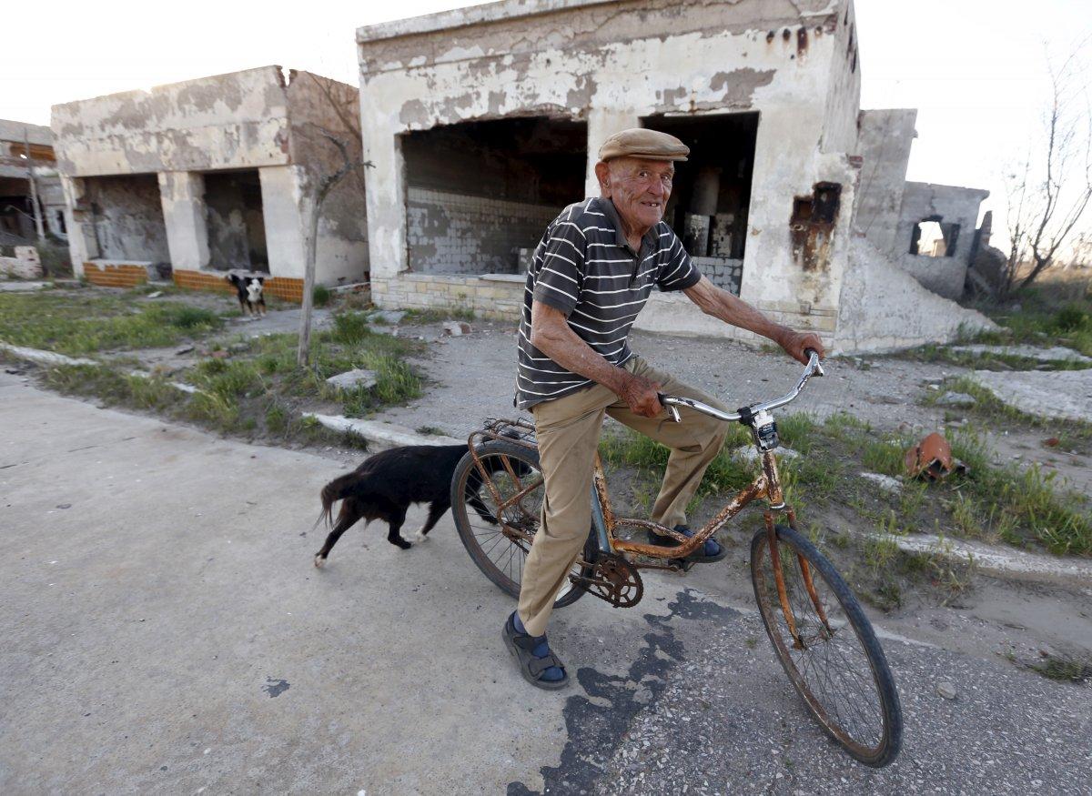 Uma cidade fantasma emerge das águas de uma enchente que aconteceu há 30 anos, na Argentina 14