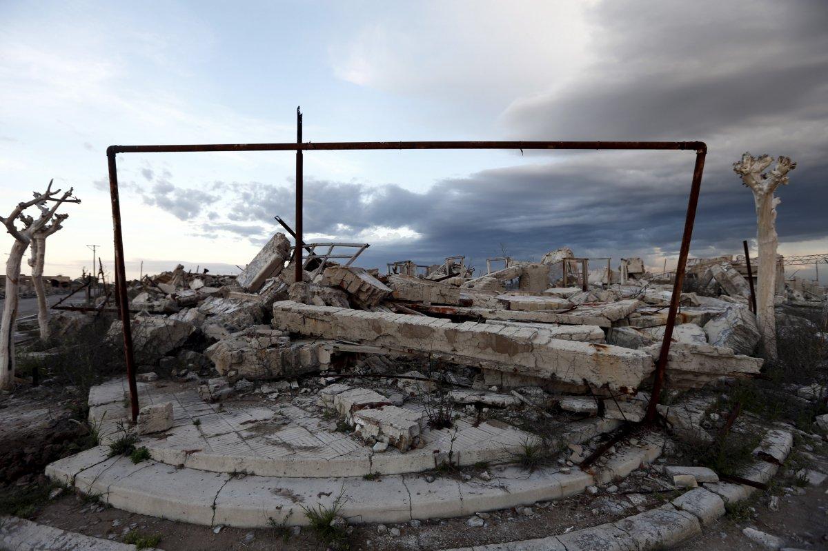 Uma cidade fantasma emerge das águas de uma enchente que aconteceu há 30 anos, na Argentina 17