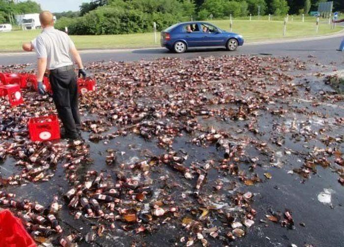 Acidente com um carregamento de cerveja na europa 04