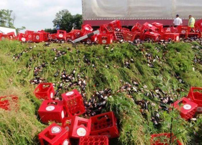Acidente com um carregamento de cerveja na europa 05