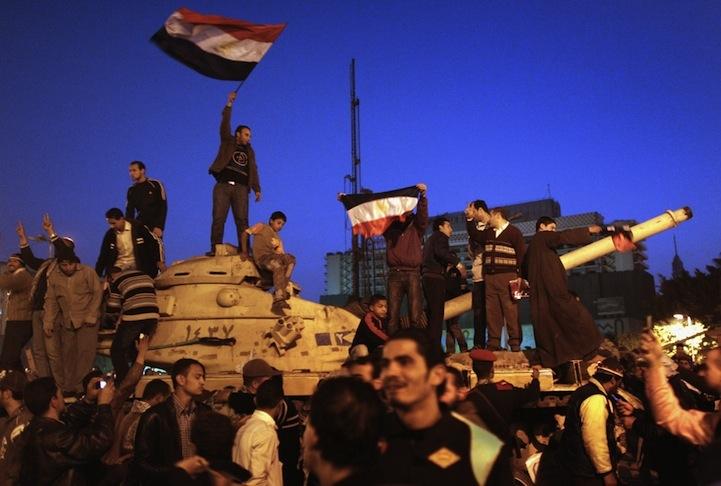Celebração dos manifestantes egípcios 03
