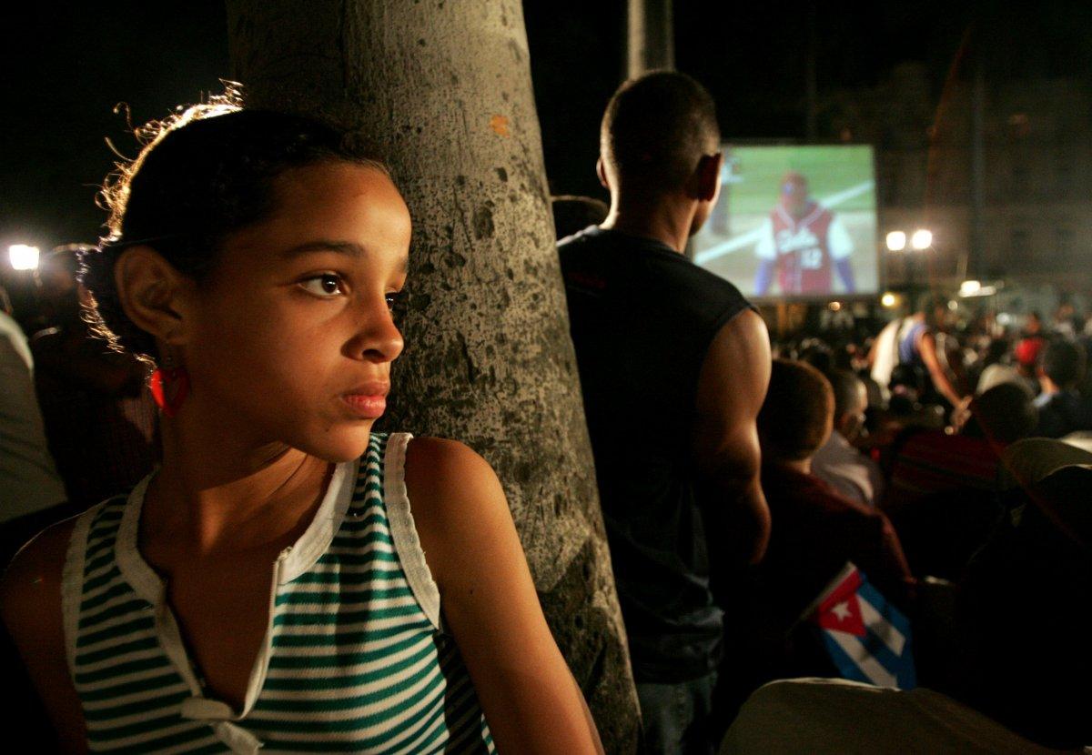 22 fotos impressionantes que mostram como as pessoas assistem TV em todo o mundo 20