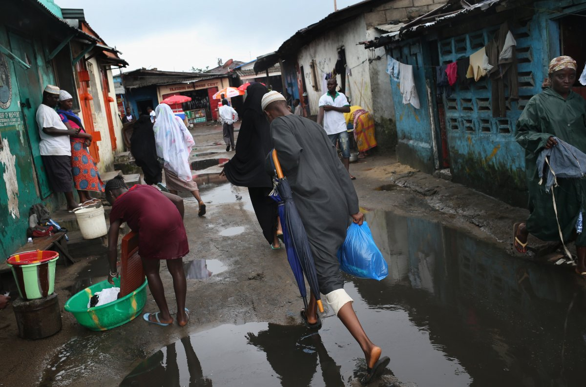 Estas 27 fotografias da zona quente da epidemia de Ebola na Libéria são horríveis 03