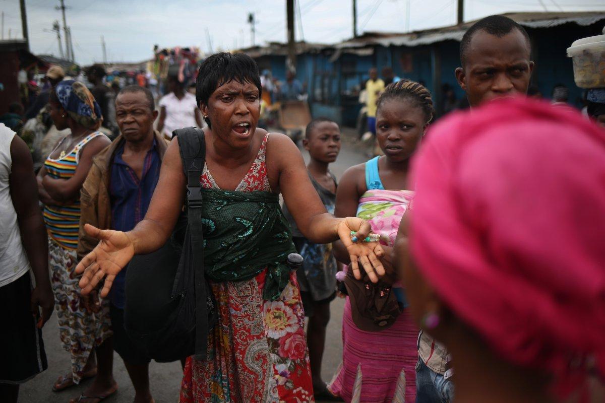 Estas 27 fotografias da zona quente da epidemia de Ebola na Libéria são horríveis 04