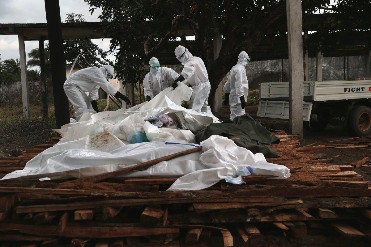 Estas 27 fotografias da zona quente da epidemia de Ebola na Libéria são horríveis 07