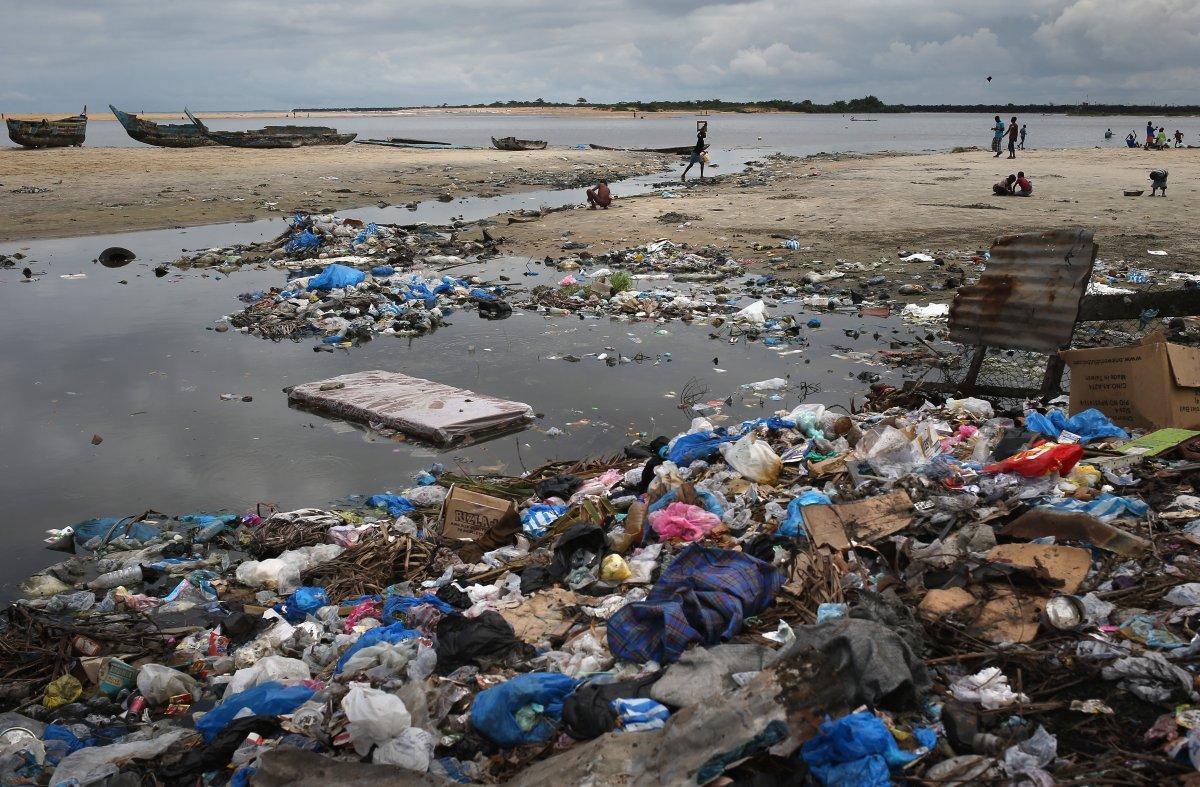 Estas 27 fotografias da zona quente da epidemia de Ebola na Libéria são horríveis 10