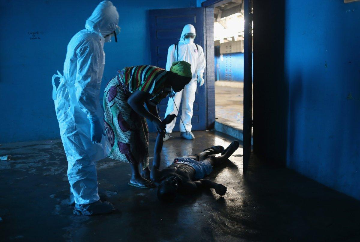 Estas 27 fotografias da zona quente da epidemia de Ebola na Libéria são horríveis 15