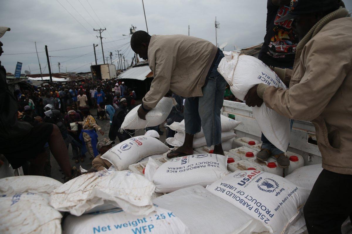 Estas 27 fotografias da zona quente da epidemia de Ebola na Libéria são horríveis 24