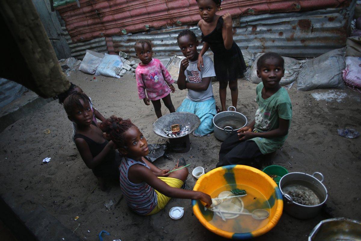 Estas 27 fotografias da zona quente da epidemia de Ebola na Libéria são horríveis 25