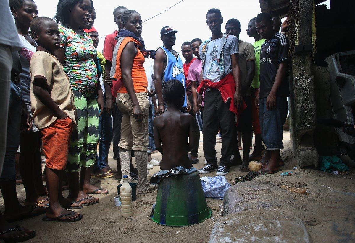 Estas 27 fotografias da zona quente da epidemia de Ebola na Libéria são horríveis 26