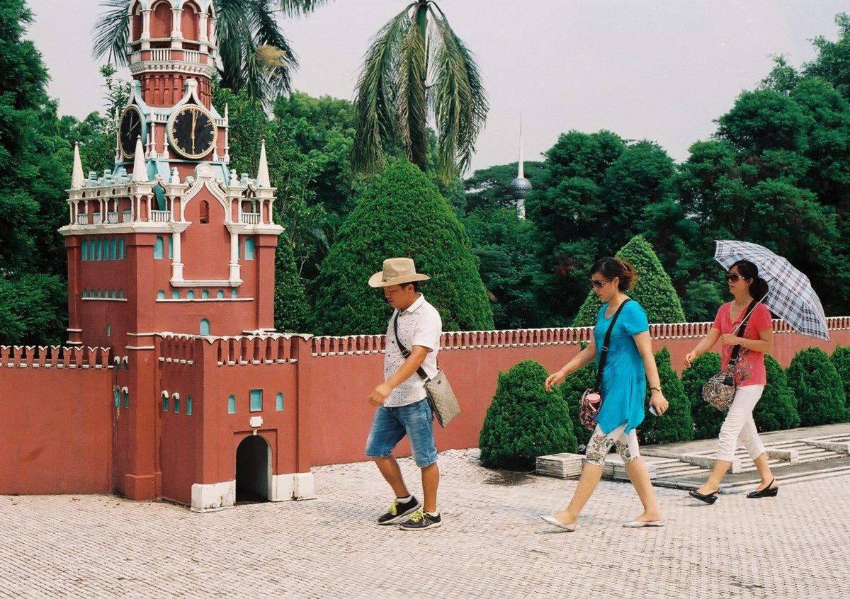 23 fotos do parque temático chinês cheio de monumentos mundiais 08