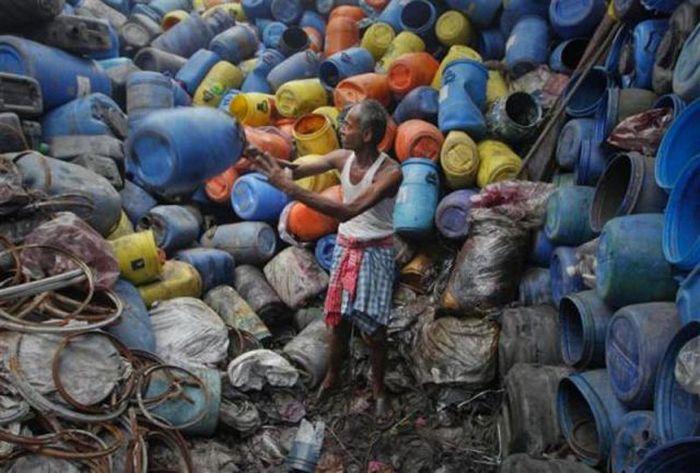 A poluição do lixo ao redor do mundo 12