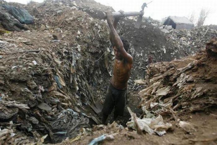 A poluição do lixo ao redor do mundo 24