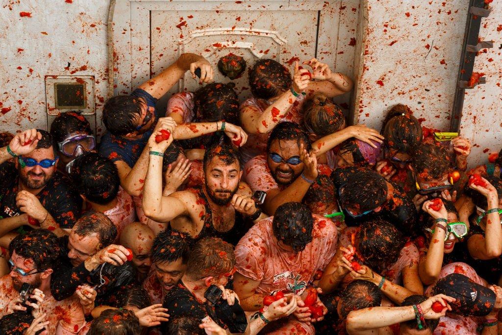 Tomatina: 16 fotos insanas da maior luta alimentar do mundo 12