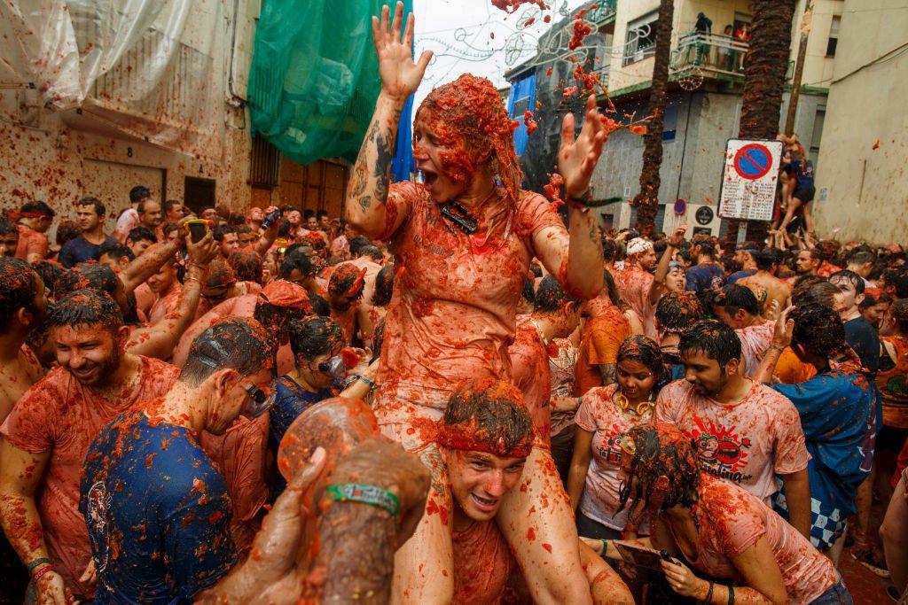 Tomatina: 16 fotos insanas da maior luta alimentar do mundo 16