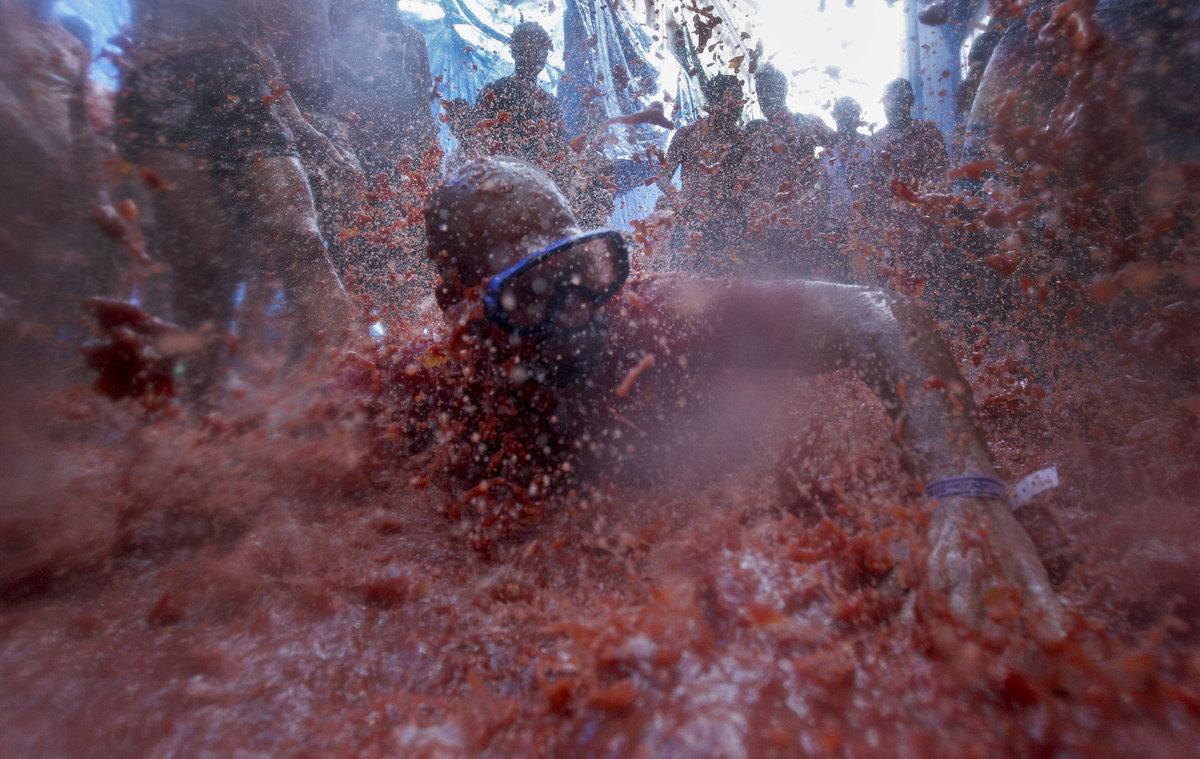 Banhados em tomate: as melhores fotos da Tomatina 2016 12