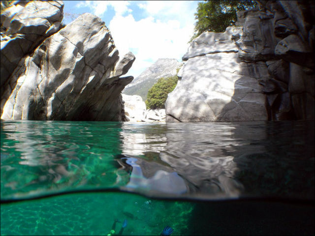 Fot�grafo captura a beleza cristalina de rio su��o 03