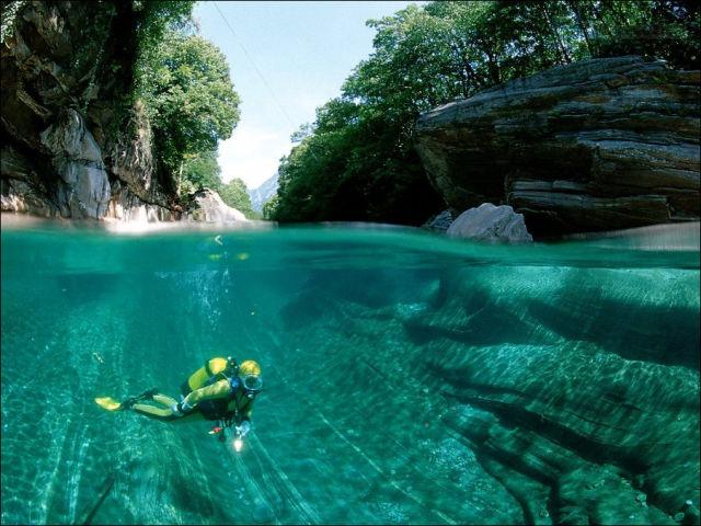 Fot�grafo captura a beleza cristalina de rio su��o 04