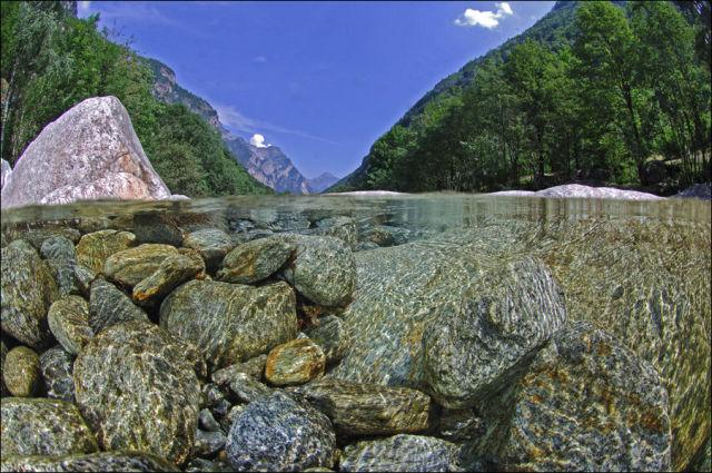 Fotógrafo captura a beleza cristalina de rio suíço 07