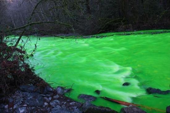 Um rio verde no Canadá 02